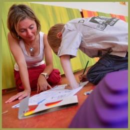 Jak kombinovat přístup dětí a dospělých ke studiu jazyka aneb vše je jen v hlavě
